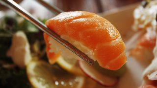 鮭とサーモンは何が違う?コンビニの鮭おにぎりはサーモンだった!?