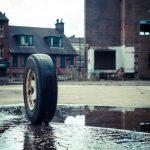 映画「ラバー」|タイヤがソファーでテレビ観る。破壊力抜群のB級タイヤムービー!